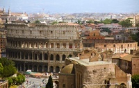 コロッセオとローマの街並み
