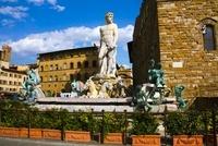 シニョーリア広場のネプチューンの噴水 11069008121| 写真素材・ストックフォト・画像・イラスト素材|アマナイメージズ