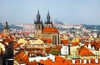 プラハのティーン教会 11069008162| 写真素材・ストックフォト・画像・イラスト素材|アマナイメージズ
