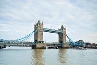 タワーブリッジ 11069008566| 写真素材・ストックフォト・画像・イラスト素材|アマナイメージズ