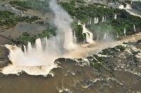 イグアスの滝 11069009208| 写真素材・ストックフォト・画像・イラスト素材|アマナイメージズ