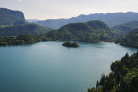 プリトヴィツェ湖群国立公園 11069010886| 写真素材・ストックフォト・画像・イラスト素材|アマナイメージズ