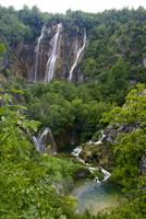 プリトヴィツェ湖群国立公園 11069010890| 写真素材・ストックフォト・画像・イラスト素材|アマナイメージズ
