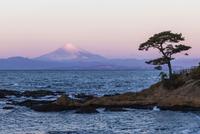 朝焼けの富士山 11069012574| 写真素材・ストックフォト・画像・イラスト素材|アマナイメージズ