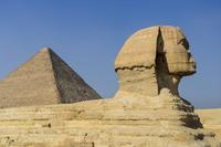 スフィンクスとピラミッド 11069013719  写真素材・ストックフォト・画像・イラスト素材 アマナイメージズ