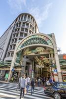 天神橋筋商店街 11069020042| 写真素材・ストックフォト・画像・イラスト素材|アマナイメージズ