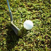 ゴルフボールとゴルフクラブ 11070009723| 写真素材・ストックフォト・画像・イラスト素材|アマナイメージズ
