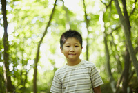 男の子のポートレート 11070010439| 写真素材・ストックフォト・画像・イラスト素材|アマナイメージズ