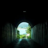 トンネル 11070010932| 写真素材・ストックフォト・画像・イラスト素材|アマナイメージズ