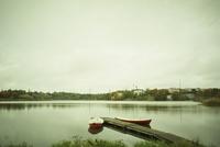 秋の湖 11070012796| 写真素材・ストックフォト・画像・イラスト素材|アマナイメージズ