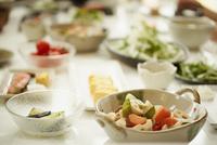 食卓に並んだ料理
