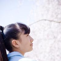 10代女性の横顔 11070016667| 写真素材・ストックフォト・画像・イラスト素材|アマナイメージズ