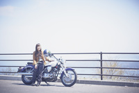 バイクと女性