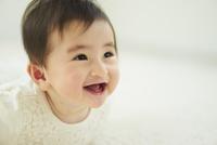 笑顔の赤ちゃん 11070022891| 写真素材・ストックフォト・画像・イラスト素材|アマナイメージズ