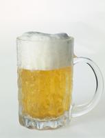 ジョッキに注いだビール