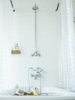 バスルーム 11070026886| 写真素材・ストックフォト・画像・イラスト素材|アマナイメージズ