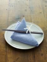 テーブルウェア 皿と箸