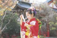 七五三和装の女の子 11070033952| 写真素材・ストックフォト・画像・イラスト素材|アマナイメージズ