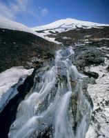 小山町須走6合目の幻の滝と富士山 11076000037| 写真素材・ストックフォト・画像・イラスト素材|アマナイメージズ