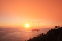 小笠原諸島父島より東島を望む
