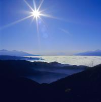 高ボッチ高原からの富士山 11076001995| 写真素材・ストックフォト・画像・イラスト素材|アマナイメージズ