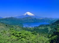 大観山ふきんより芦ノ湖と富士山 11076002193| 写真素材・ストックフォト・画像・イラスト素材|アマナイメージズ