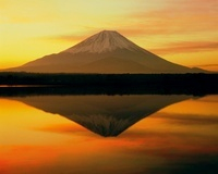 朝焼けの精進湖と富士山 11076002225| 写真素材・ストックフォト・画像・イラスト素材|アマナイメージズ