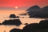 朝焼けの丹後松島と経ヶ岬