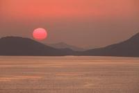 三百山から望む塩飽諸島と夕日