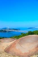 鷲羽山から望む瀬戸大橋 11076002709| 写真素材・ストックフォト・画像・イラスト素材|アマナイメージズ