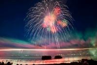 諏訪湖祭湖上花火大会 尺玉と千輪菊 11076003137| 写真素材・ストックフォト・画像・イラスト素材|アマナイメージズ