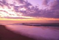 海と朝焼け