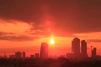 JRセントラルタワーズと名古屋市街、朝日
