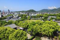 熊本城の天守閣より望む熊本市街 11076007801| 写真素材・ストックフォト・画像・イラスト素材|アマナイメージズ