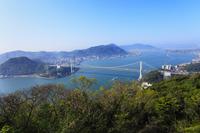 火の玉公園から望む関門橋