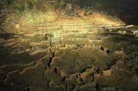 秋芳洞の百枚皿 11076007893| 写真素材・ストックフォト・画像・イラスト素材|アマナイメージズ