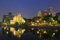 平和記念公園・原爆ドームのライトアップ