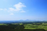 あさみ台展望台より望む瀬の本高原と阿蘇五岳