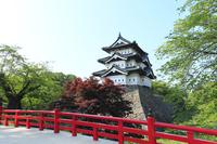 新緑の弘前城