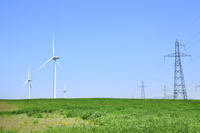 風力発電の風車と鉄塔