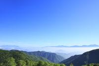 美ヶ原高原より浅間山を望む 11076008730| 写真素材・ストックフォト・画像・イラスト素材|アマナイメージズ