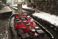 雪景色の奈良公園  率川の舟地蔵