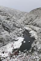 嵐山 嵐峡と屋形船の雪景色