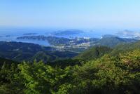 伊勢志摩スカイラインの朝熊山頂展望台から望む鳥羽市街