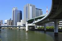 阪神高速道と堂島川