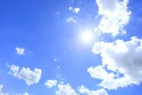 雲と太陽 11076010153| 写真素材・ストックフォト・画像・イラスト素材|アマナイメージズ