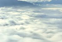 雲海 11076010730| 写真素材・ストックフォト・画像・イラスト素材|アマナイメージズ