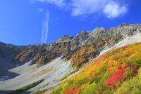 紅葉の涸沢カール 11076010861| 写真素材・ストックフォト・画像・イラスト素材|アマナイメージズ