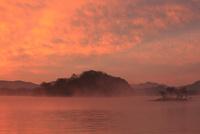 朝焼けの桧原湖