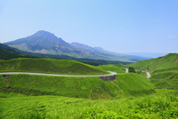 箱石峠から望む阿蘇山